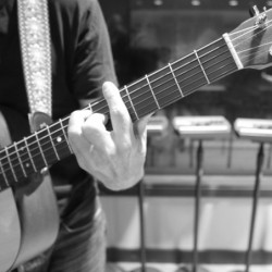 Guitar Chord Voicings: Playing Up The Neck